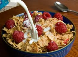 Laptele cu cereale, un mic dejun (ne)sănătos?
